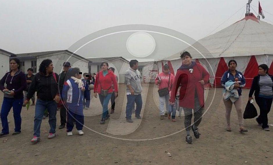 Padres protestan por circo instalado dentro de colegio en Carabayllo