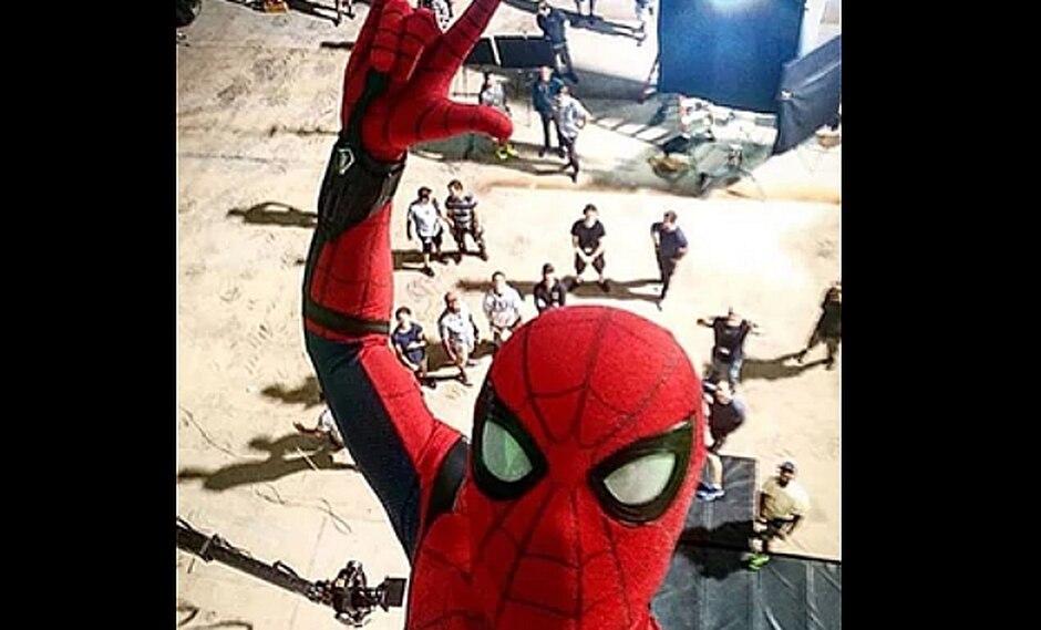 Estudiante muere al tomarse un selfie como Spiderman en su azotea