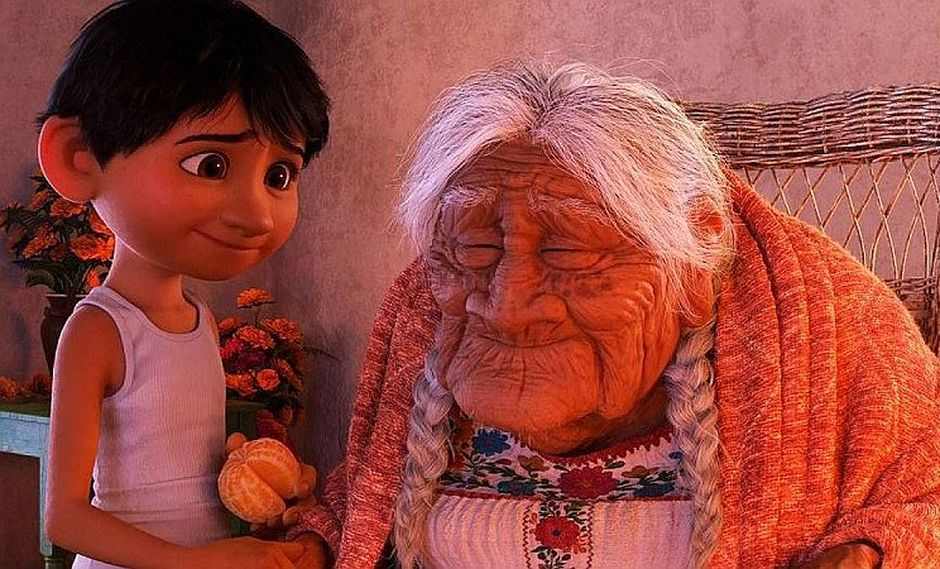 'Abuelita' de la película 'Coco' es homenajeada en hermosa ceremonia (FOTO)