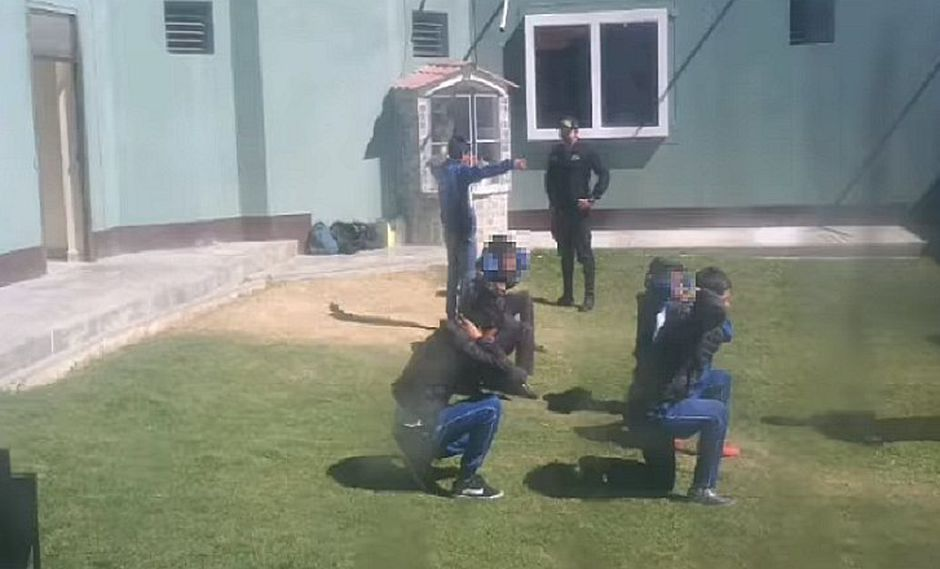 Siete escolares son castigados en comisaría por escaparse de colegio | VIDEO