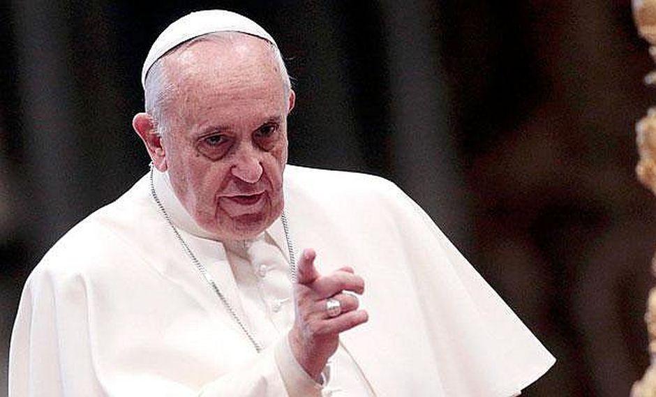 Papa Francisco: Existe una guerra mundial para destruir el matrimonio