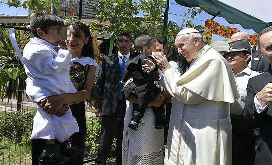 Papa Francisco lamentó los casos de abuso a niños por parte del clero en Chile