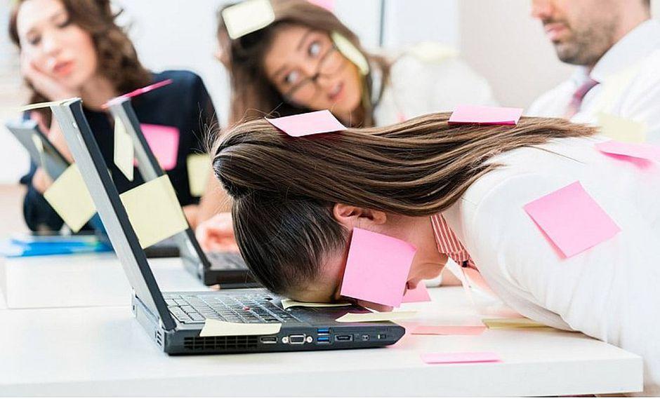 5 ejercicios de relajación para combatir el estrés laboral
