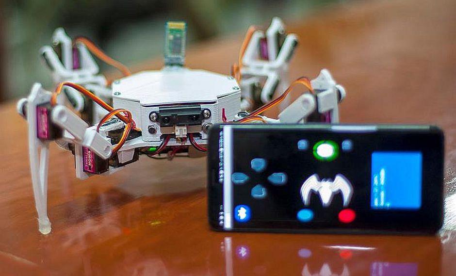 Robot arácnido se guía por Bluetooth para buscar y rescatar a personas