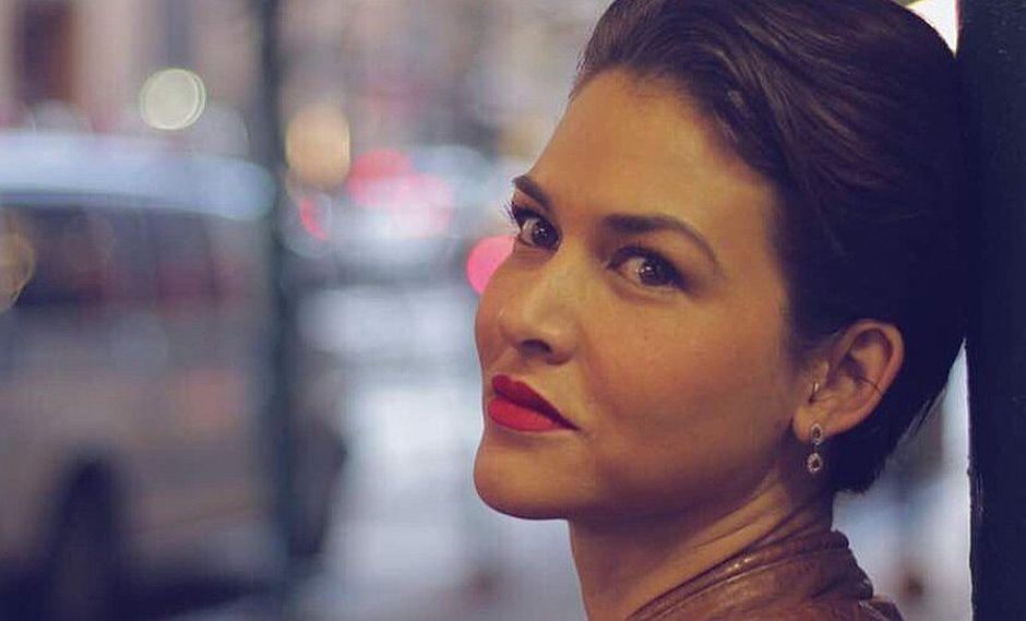 Anahí de Cárdenas luce sensacional en nuevo tono de rubio