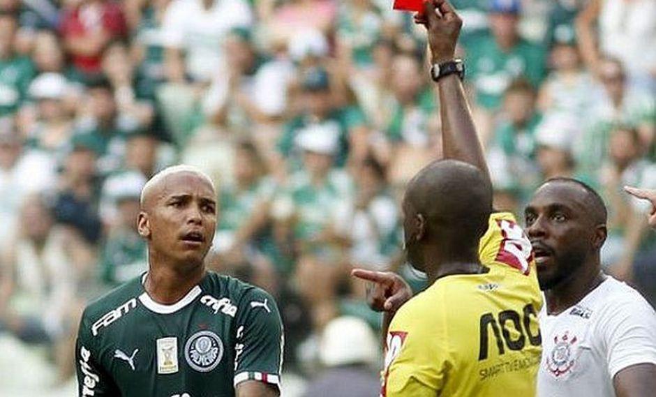 Astro del Palmeiras escupe a rival y es suspendido apenas por seis fechas