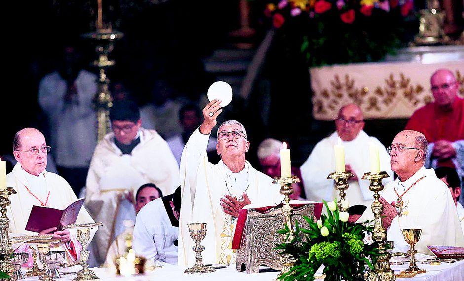 Jueves Santo: Arzobispo de Lima lavará pies a víctimas de violencia